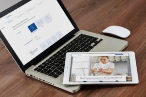Screenshot vom Finanzierungsportal in einem Macbook und auf einem iPad nebeneinander